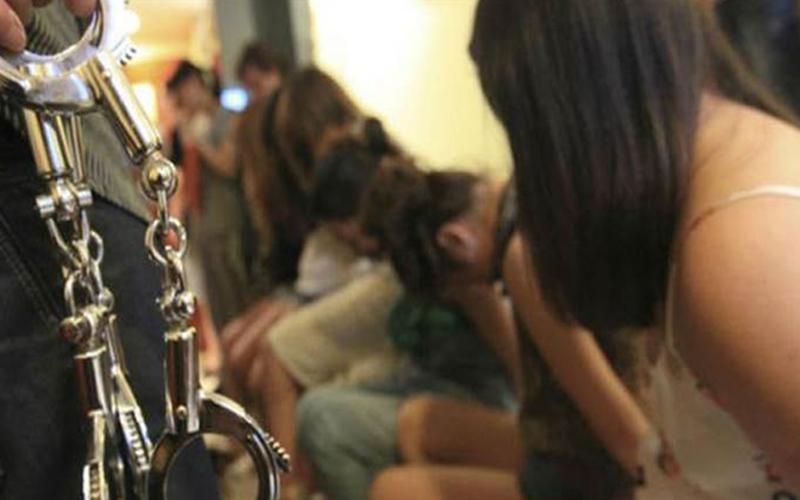 武裝軍隊找到了ISIS用來囚禁女人的「性虐待監獄」,宛如煉獄的場景連大兵看了忍不住作嘔....(有影片)