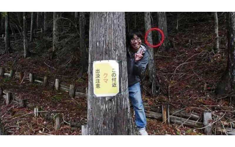日本宅男「旅遊靈異照片」一PO上網引發網友熱議,裡面竟出現「這個」也太嚇人了吧!