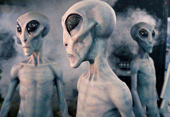jj母子乱论口述_在我们印象中,外星人似乎是不穿衣服的,就连许多目击者口述外星人特