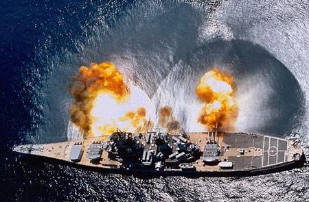 【不營養大雞排-Snow】[電影亂哈拉]超級戰艦…狂轟猛炸的海上大亂鬥。-5
